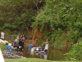 Nicaragua women washing